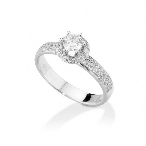 Valori Solitaire with diamonds