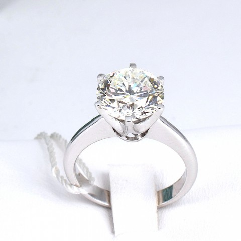 Valori Solitaire with diamonds ct 3,53